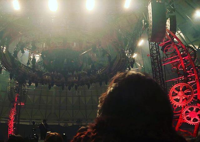 ユーミンのコンサート福井サンドームに行ってきましたー♪…